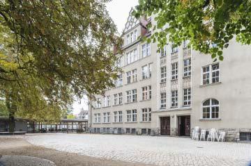 Gymnasium Schulhof